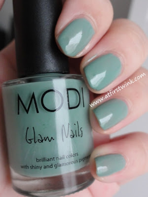 Modi Glam nails 47 - Mint latte swatches