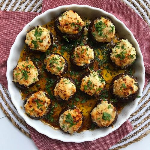 gefüllte Backofen-Champignons mit Kräuterfrischkäse & Parmesan