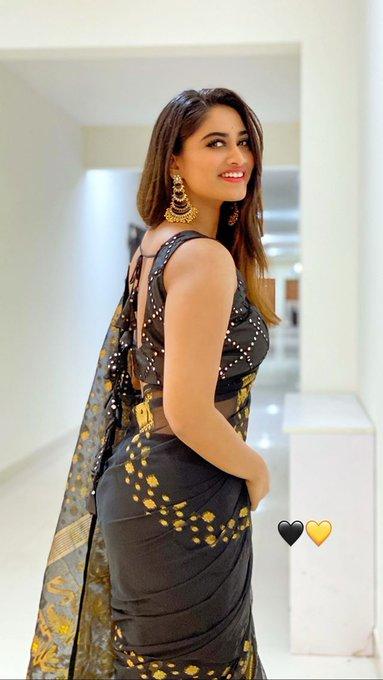 Shivani Narayanan Black Saree Stills