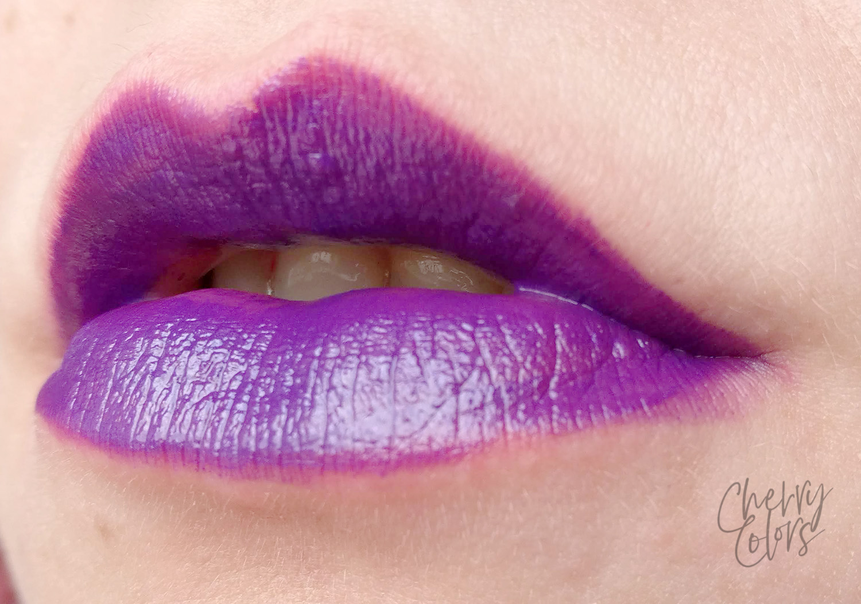 Avon Spellbound lipstick