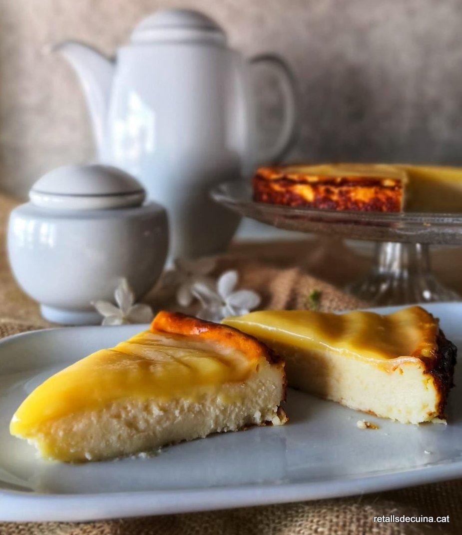 Pastís de formatge i llimona amb lemon curd