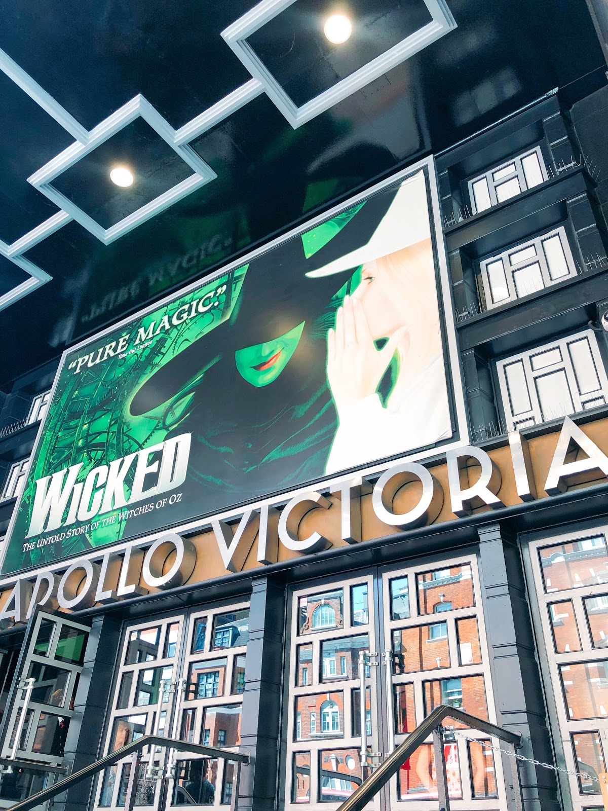 wicked London theatre show, leicester square discounted theatre tickets
