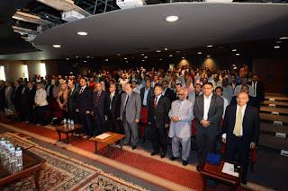 الأقصر تكرم الدكتور عباس منصور رئيس جامعة جنوب الوادى