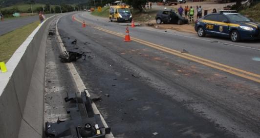 TRAGÉDIA - Grave acidente deixa duas pessoas mortas na BR-316