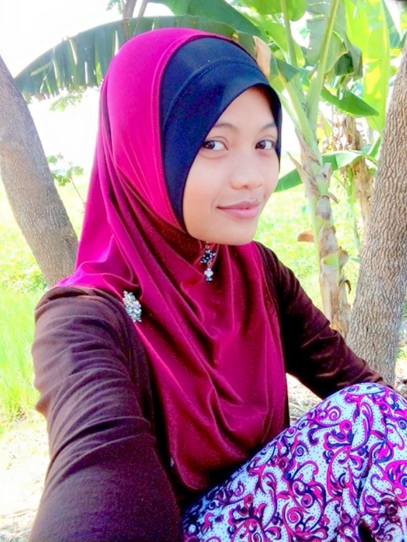 Cara Mudah Dan Simpel Memakai Hijab Di Hari Raya Idul Fitri