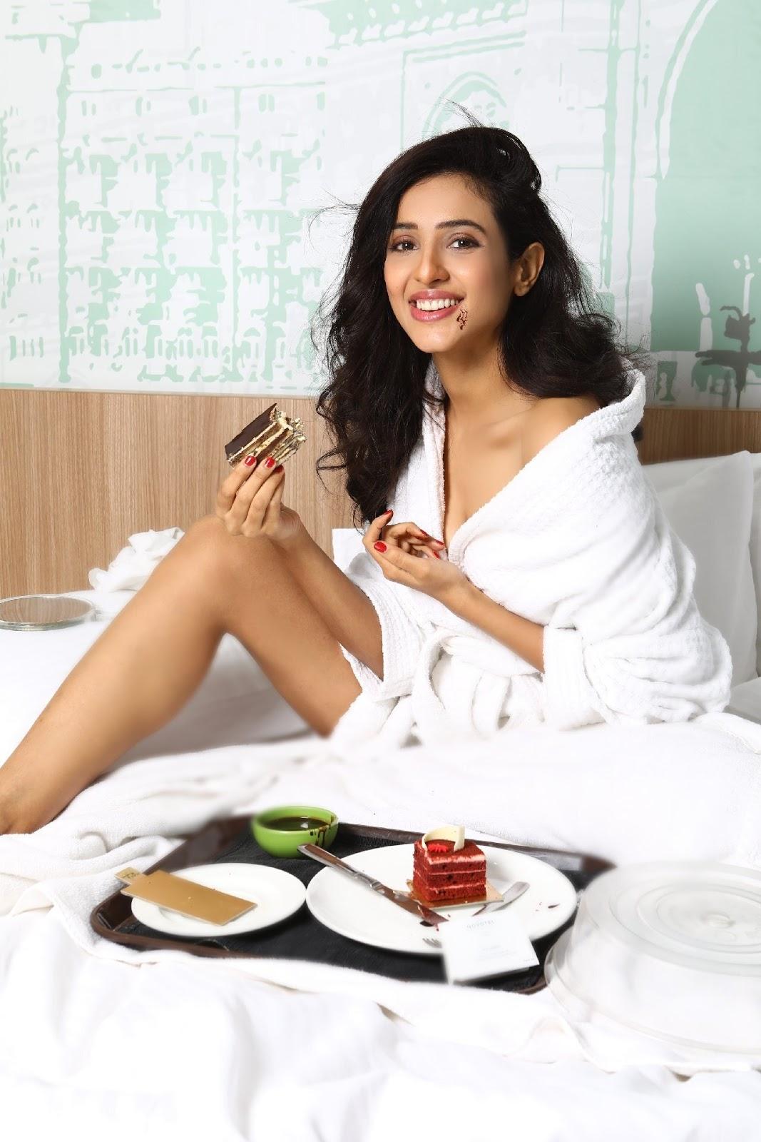 Riya Suman New Stills in White Dress