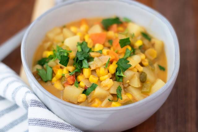 The finished pot of vegan corn chowder.