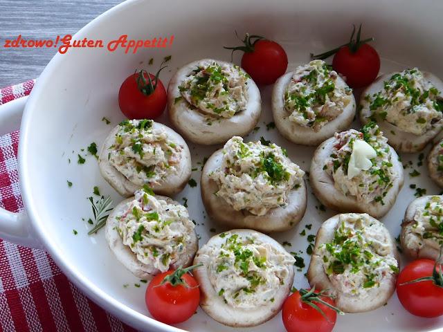 Pieczarki faszerowane białym serkiem i suszonymi pomidorkami - Czytaj więcej »