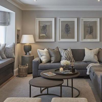 غرفة معيشة رمادية اللون