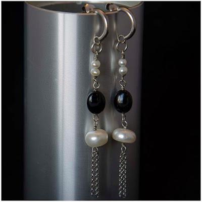 Pendientes de perlas, azabache y plata, inspiración años 20. Joyería Artesanal Personalizada