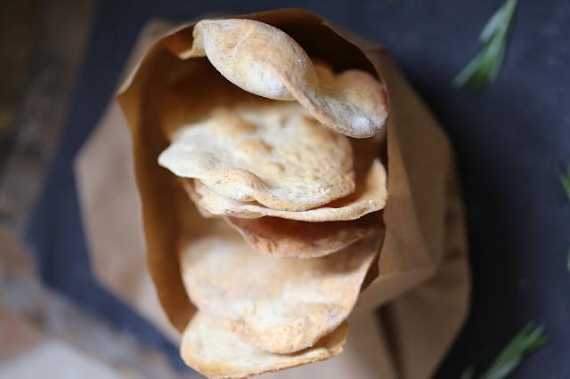 pains , crackers, apéritif , farine complète
