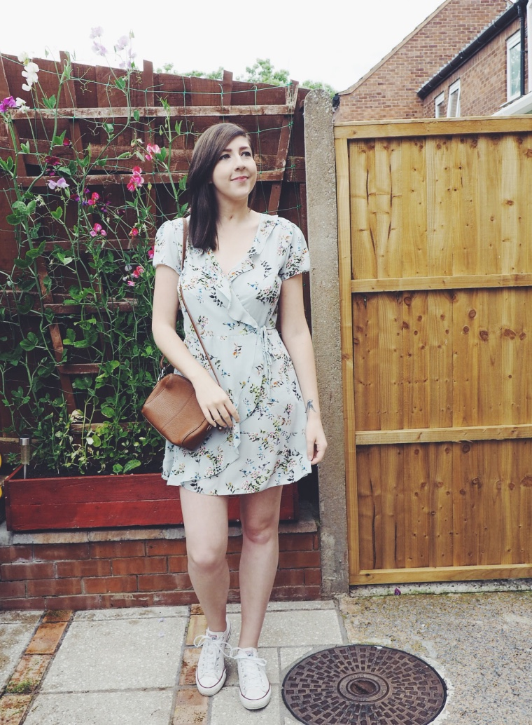fbloggers, fashionbloggers, wiw, whatimwearing, ootd, outfitoftheday, lotd, lookoftheday, summerdress, primarkdress, asseeonme, asoscrossbodybag, floralwrapdress, primarkwrapdress