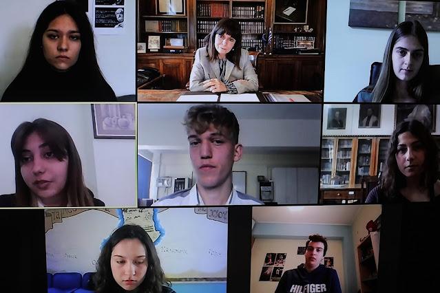 """Για την """"Ημέρα της Γυναίκας"""" συνομίλησε μαθήτρια του 1ου Λυκείου Ναυπλίου με την Πρόεδρο της Δημοκρατίας (βίντεο)"""