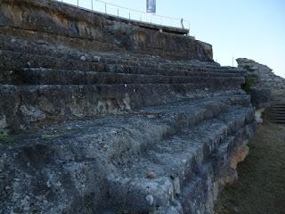 Teatro. Gradas excavadas