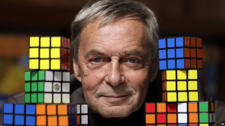 Ernő Rubik sang penemu rubik
