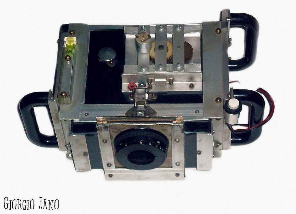 Fotocamera auto-costruita da Giorgio Jano