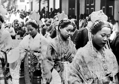 Gambar Pakaian Suku Bugis Tempo Dulu