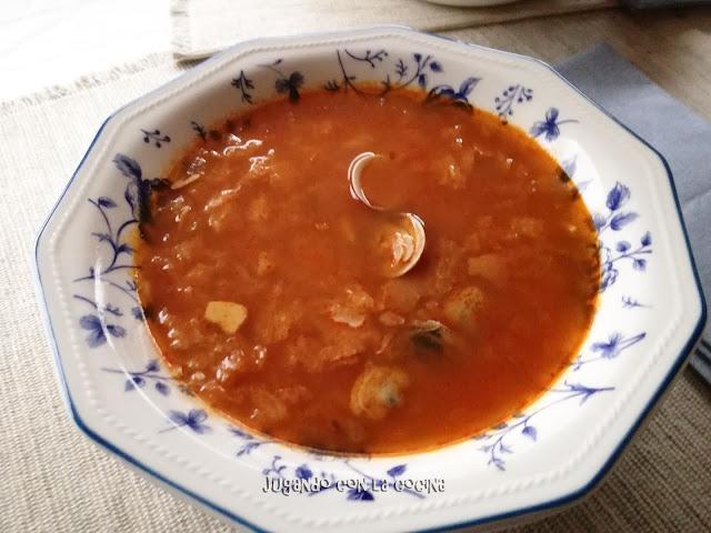 Sopa De Almejas (rosellona O Chirla) Con Pan