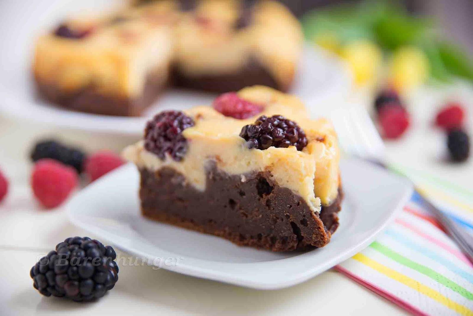 cheesecake beeren kuchen mit brownie boden b renhunger. Black Bedroom Furniture Sets. Home Design Ideas