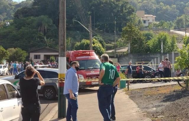 Jovem invade escola e mata três crianças e duas funcionárias no Oeste de SC