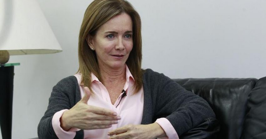 Poder Judicial tiene enorme responsabilidad en avance de licenciamiento, sostiene la exministra de educación Marilú Martens