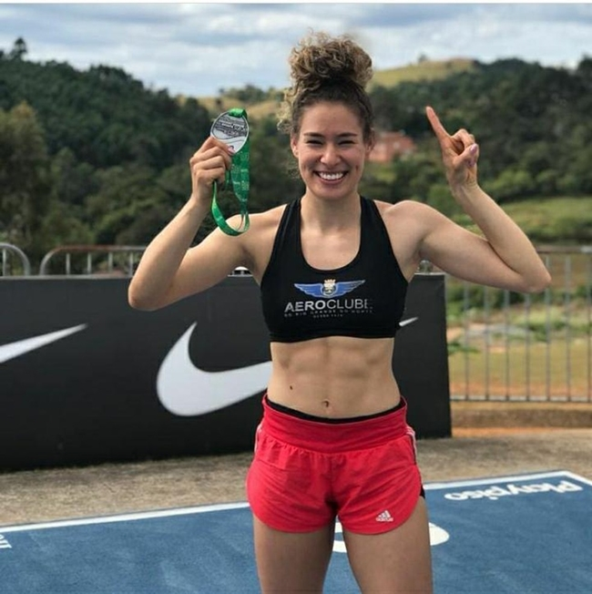 Regiclécia Silva alcança índice para o Pan-Americano Sub-20 no salto triplo