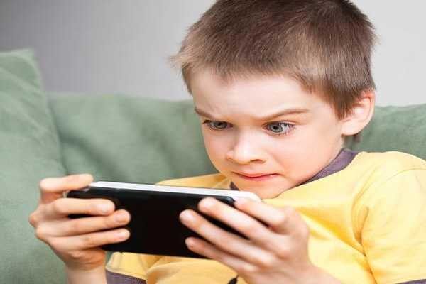 بخطوات بسيطة يمكن حماية اطفالك من مخاطر الألعاب القتالية مثل (… PUPG، Battle Royale, Free Fire)
