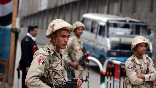 مقتل 8 جنود وضابط وإصابة 11 آخرين في هجوم مسلح شمال سيناء (كمين التفاحة)