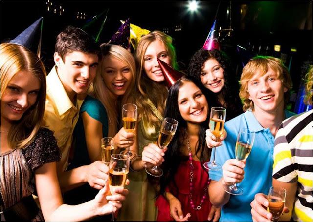 Bar ve Gece Kulübünde Doğum Günü Sürprizi