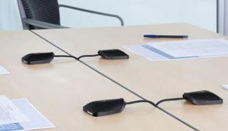 noleggio microfono conferenza scuole tavolo