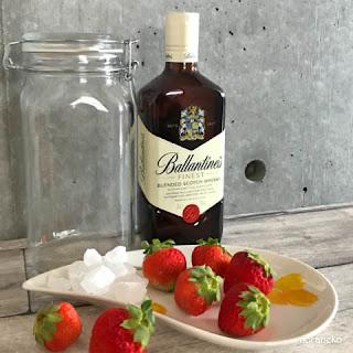 イチゴウイスキーの材料