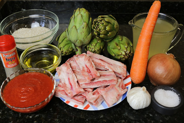 Ingredientes para arroz con costillas y alcachofas