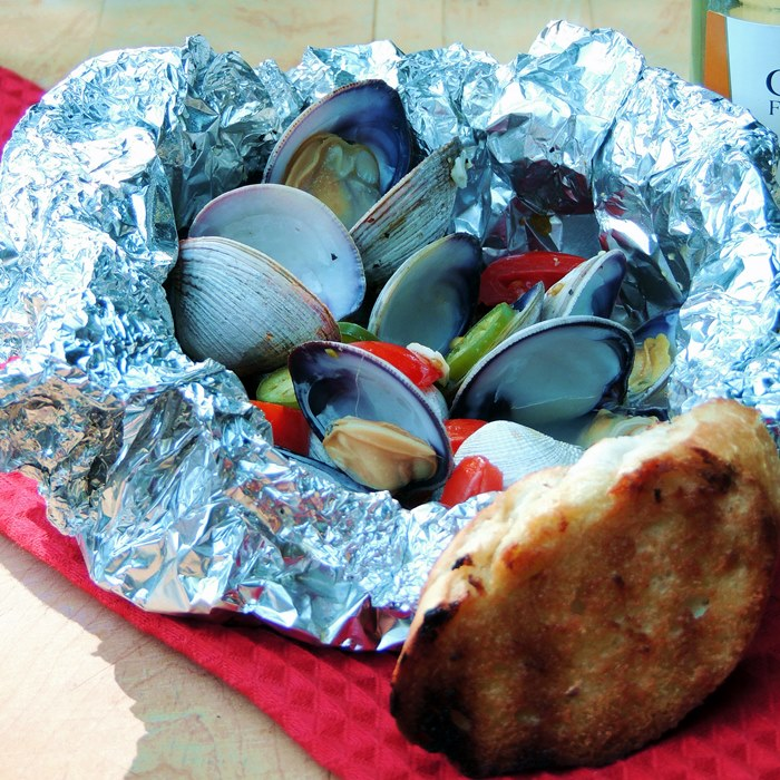 This easy to make low-carb grilled clams recipe is the perfect no muss, no fuss way to enjoy some spicy seafood without a ton of cleanup, or carbs! #lowcarb #keto #clams #seafood #fish #grilled #grilling #bbq #foil #spicy #easy #recipe | bobbiskozykitchen.com