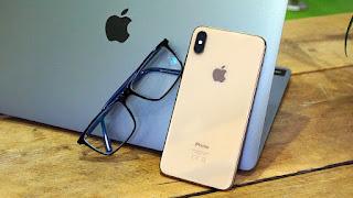 Xiaomi car and Apple glasses سيارة شاومي ونظارة آبل