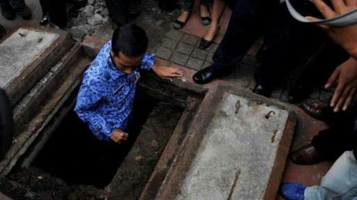 Selalu Blusukan dan Kaget Berbagai Harga, Jokowi Presiden Paling Aneh
