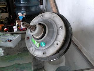 memperbaiki Gearbox mesin cuci
