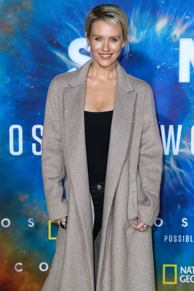 Nicky Whelan Clicks at Cosmos: Possible Worlds Premiere in Los Angeles 26 Feb -2020