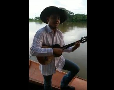 "APURE: David Rodríguez canta desde San  Rafael de Atamaica: ""Nostalgia de un Emigrante. FOLKLOR."