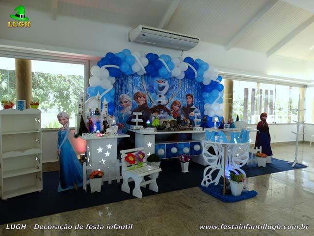 Decoração festa de aniversário Frozen - Mesa temática - Barra - RJ
