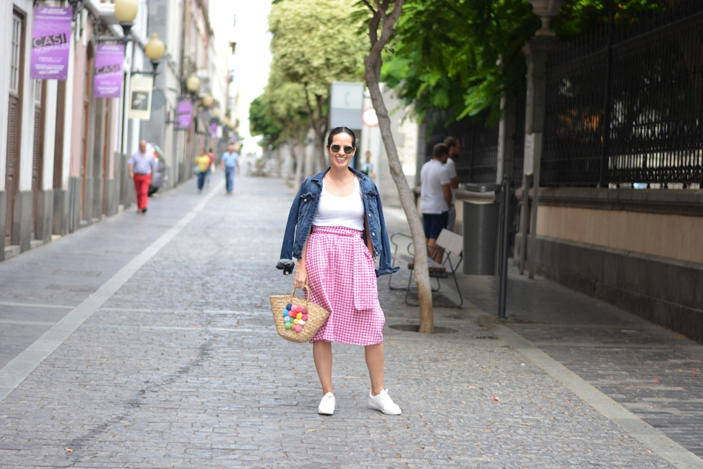 pink-vichy-skirt-outfit-street-style