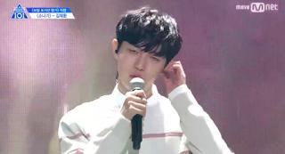 kpop idols auriculares