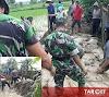 Soliditas TNI, Koramil Gabus Bersama Warga Bahu Membahu Menutup Tanggul Yang Jebol