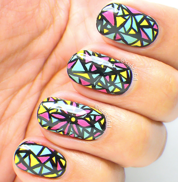 Mosaic Flower Pattern Nails