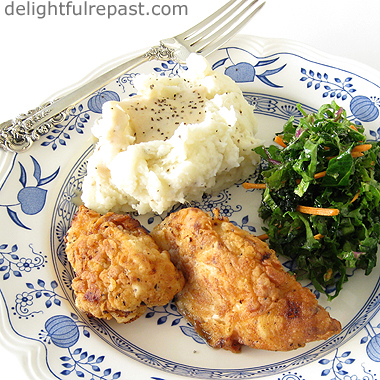Southern Fried Boneless Chicken / www.delightfulrepast.com