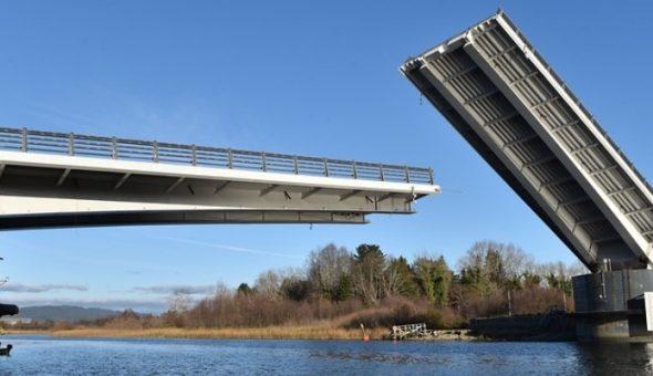 En serio? Puente Cau Cau tenía problemas de diseño... Justicia exculpó a constructora española.