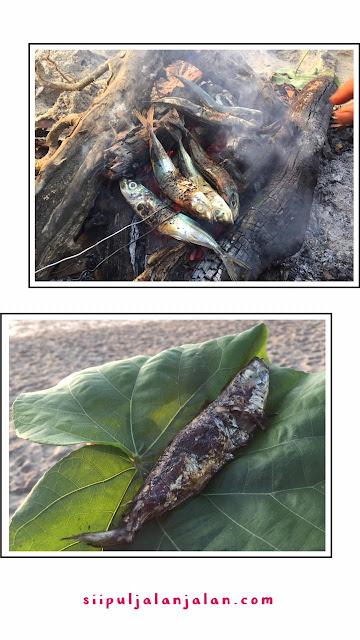 Makan Ikan Bakar di Pantai Papuma