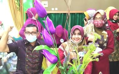 Tiga Duta MTsN 1 Padang Ikuti Lomba Merangkai Bunga