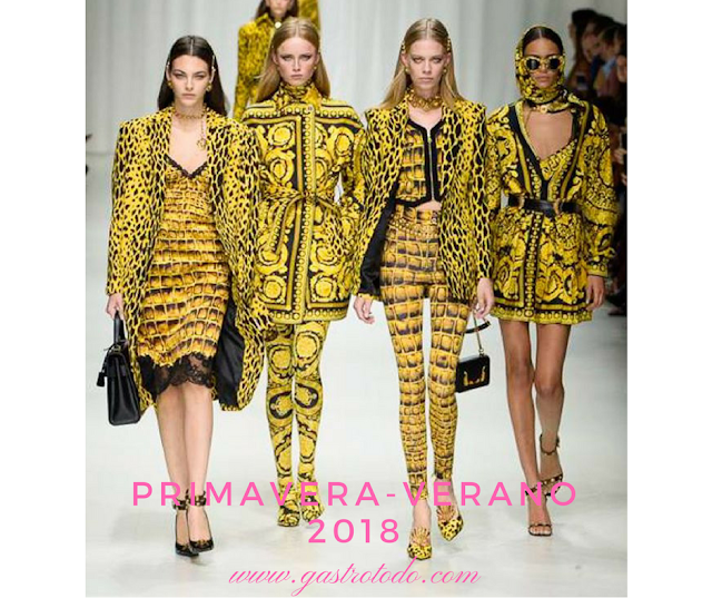 Es el amarillo print de Versace