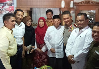 Kapolda Jambi Tingkatkan Silaturahmi Dengan Kunjungi Tokoh Masyarakat Jambi Beserta Mantan Kapolda Jambi Komjen Pol Purn Drs Lutfi Lubihanto