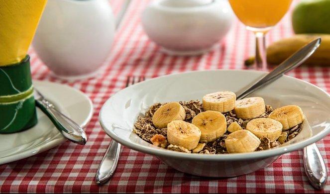 doručak-jogurt-žitarice-cerealije-zdravlje